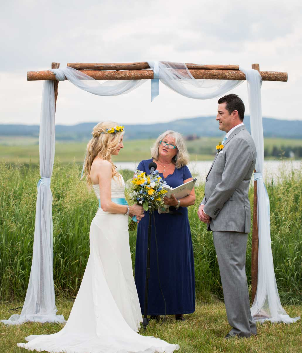 steamboat-mountain-weddings-marlene-fisher-officiant-sunny