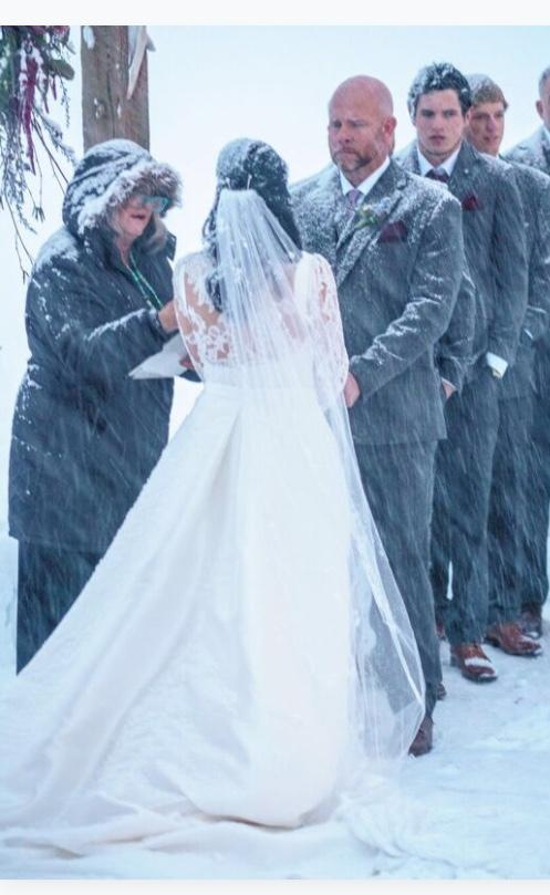 outdoor wedding in a blizzard