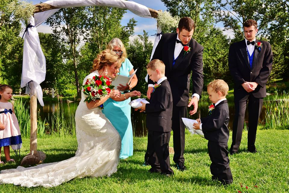 sunny outdoor wedding ceremony