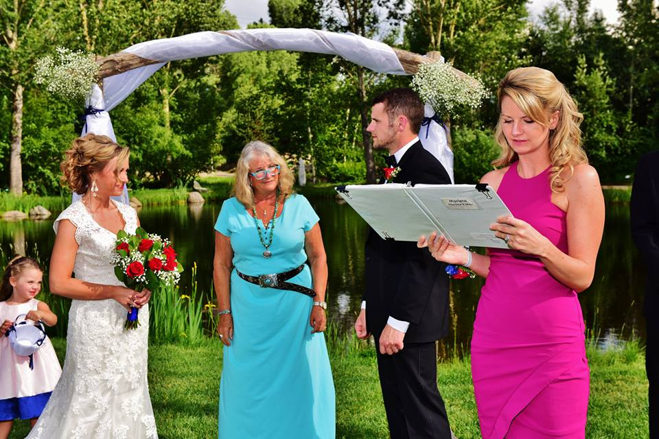sunny wedding outdoors in the summertime steamboat
